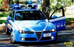 Roma. A bordo di un motoveicolo rubato, tentano di eludere il controllo