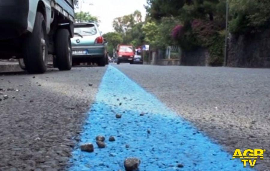 Fiumicino, partono le strisce blu su via Torre Clementina, la Lega contesta il provvedimento