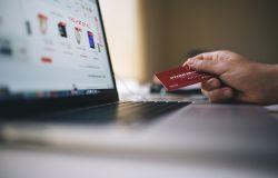 Federconsumatori: record dell'e-commerce. I dati delle vendite risentono ancora degli strascichi del lockdown
