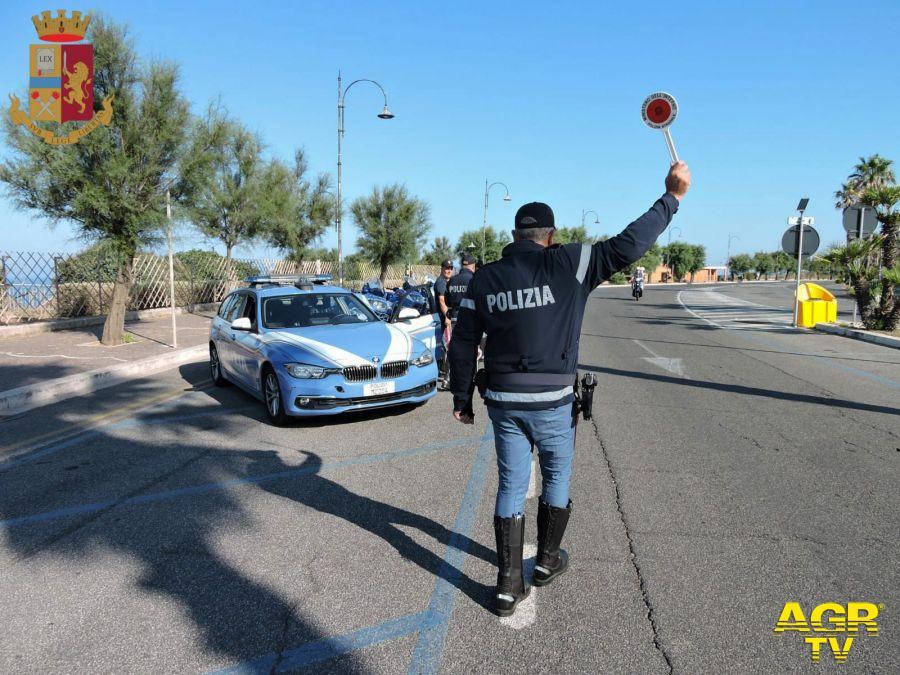 Roma. La Polizia di Stato sulle strade del litorale laziale per contrastare le condotte di guida pericolose.