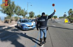 Roma. La Polizia di Stato sulle strade del litorale laziale per contrastare le condotte di guida pericolose