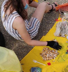 Legambiente, oltre 2 mila rifiuti in 18 mila mq sulle spiagge