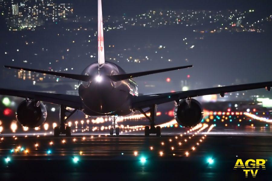 Aeroporto Fiumicino, funzionario Enac corrotto, cinque arresti