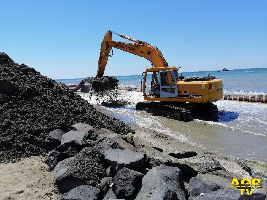 Ostia, via ai lavori di messa in sicurezza delle spiagge
