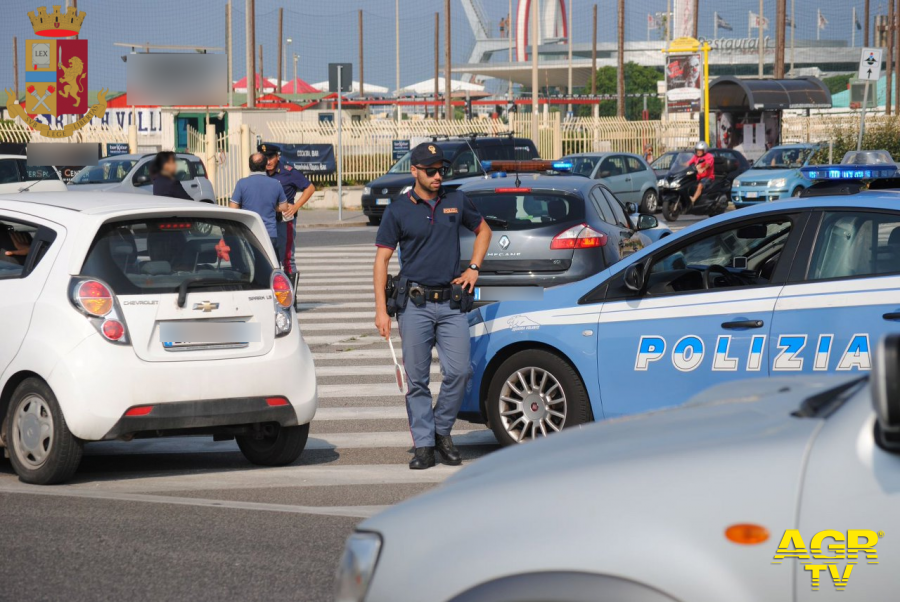 polizia controlli ostia