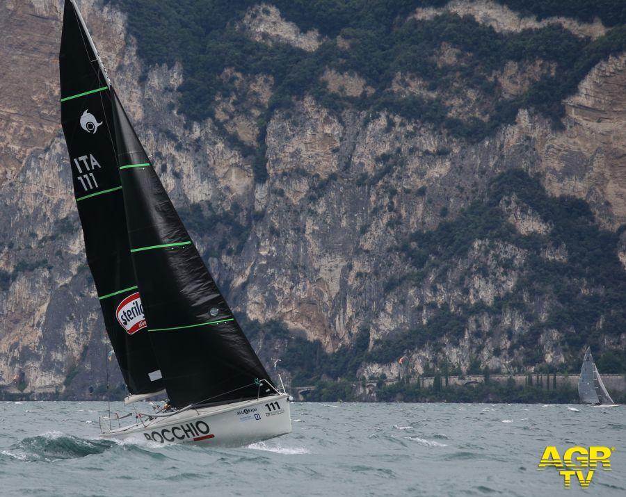 Vela, il grande fascino del lago di Garda ed i 70 anni della centomiglia