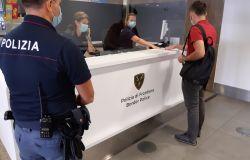 Firenze,polizia di frontiera, caccia...ai viaggiatori dai paesi vietati