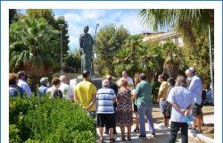 omaggio statua sant'agostino