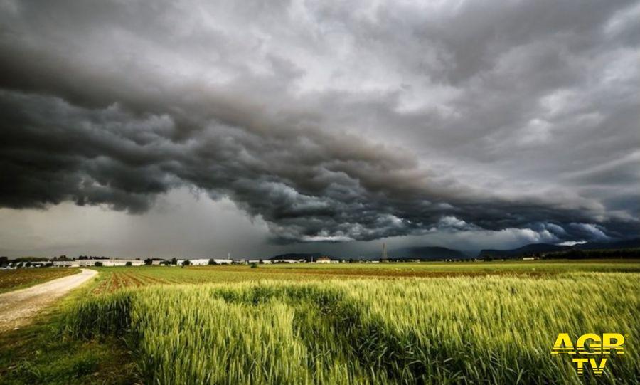 Italia divisa in due, al nord pioggia e ghiaccio, al sud siccità e caldo