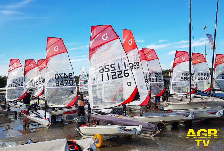 Ostia, vela acrobatica al Tognazzi per i tricolori dell'O'Pen Skiff
