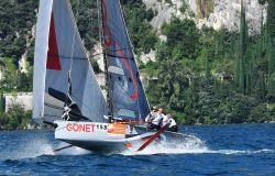 Vela, spettacolo sul lago di Garda per la cento miglia