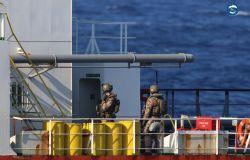 Operazione Irini, embargo di armi per la Libia, nave italiana blocca mercantile