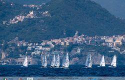 Vela i tricolori Laser nelle acque di Salerno