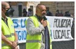 polizia locale manifestazione