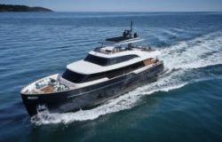 azimut benetti maxi yacht