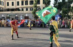 Ostia, la magia del palio in piazza Anco Marzio