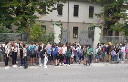 A Roma al via in 17 Municipi la sperimentazione di strade scolastiche, pedonalizzazione oraria dinanzi agli istituti