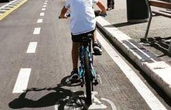 Ostia, si può continuare a pedalare sul lungomare....è tutto o.k.