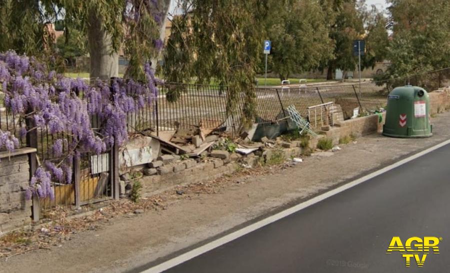 il muro cinta Prato Cornelio danneggiato