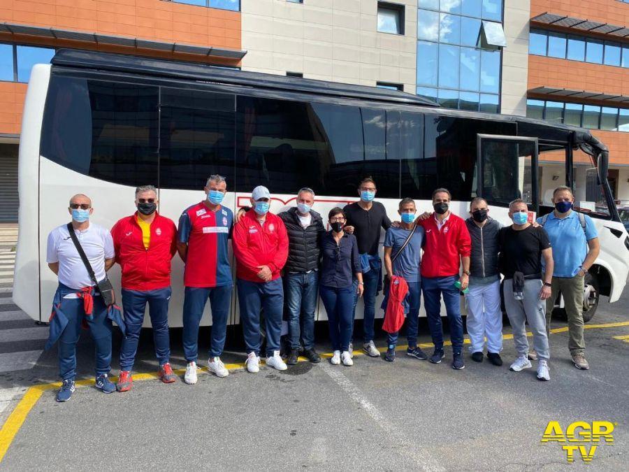 la partenza del team