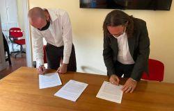 Maurizio Gubbiotti firma il protocollo