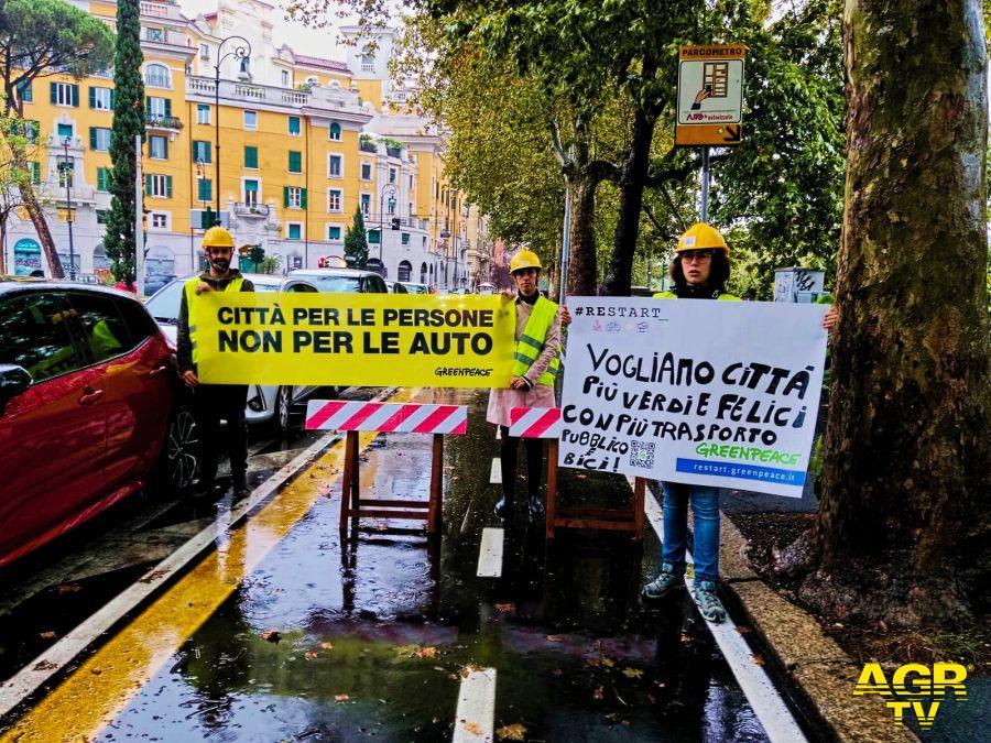 Greenpeace si mobilita a Roma, ripartire dalla mobilità sostenibile