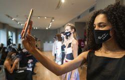 L'Ecosistema HUAWEI sfila alla Milano fashion week con  Francesca LIBERATORE