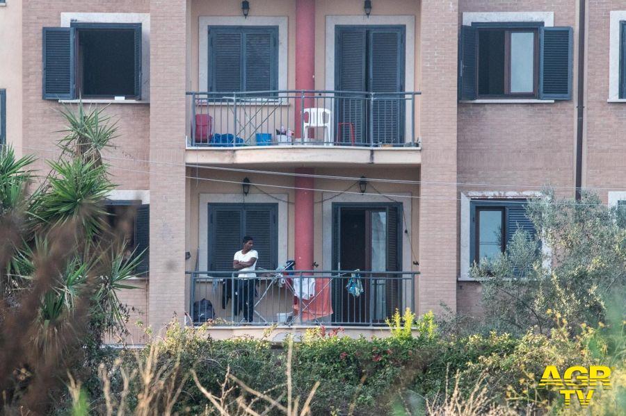 Infernetto, gli immigrati del Centro di accoglienza sono positivi? Servono risposte definitive