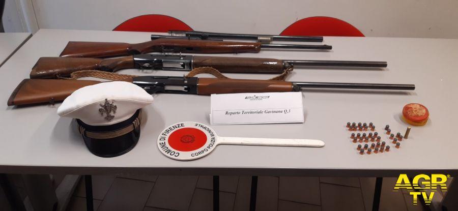 Entra in una concessionaria armato di fucile, bloccato e disarmato dalla Polizia Municipale di Firenze