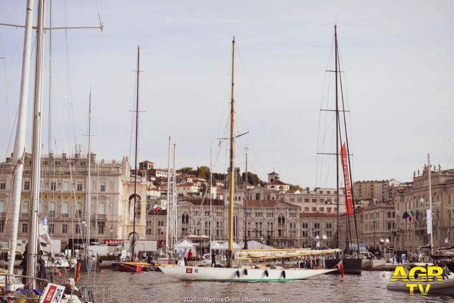 Porto Trieste barche al molo