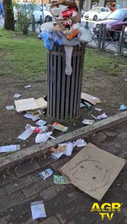 Acilia rifiuti piazza san leonardo
