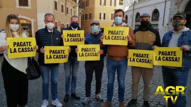 Protesta lega piazza Montecitorio lavoratori aeroportuali