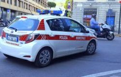 Colto sul fatto mentre spaccia, arrestato dalla Polizia Municipale di Firenze