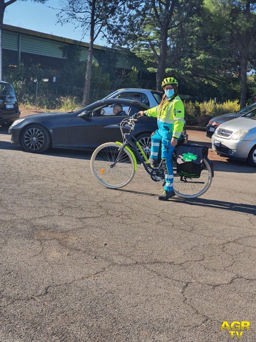 bici al drive in volontari misericordia