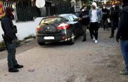 """Anzio. Blitz della Polizia di Stato all'interno del quartiere """"Corso Italia"""": rinvenute armi e droga, 2 arresti e due denunce"""