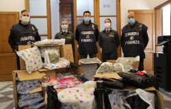 GdF. Sequestrati altri 58,700 chilogrammi di marijuana