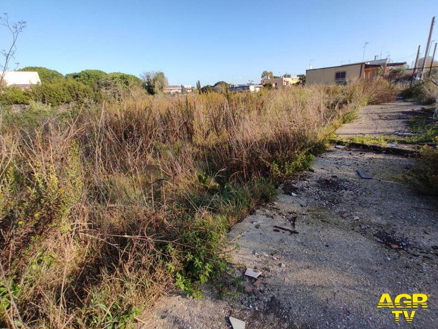 Municipio X, demolizione opere abusive e bonifica terreno comunale nell'hinterland