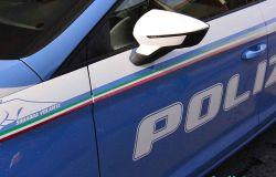 Una donna anziana si smarrisce....i poliziotti la riportano a casa dalla figlia