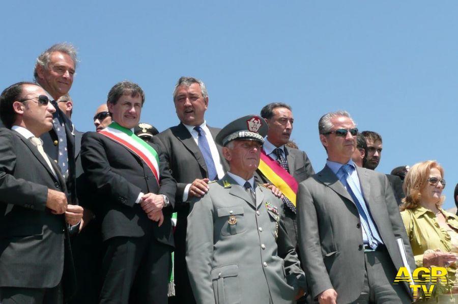 Vizzani fascia comune con Alemanno (fascia tricolore) Paolo Barelli (Fin) inaugurazione polo natatorio