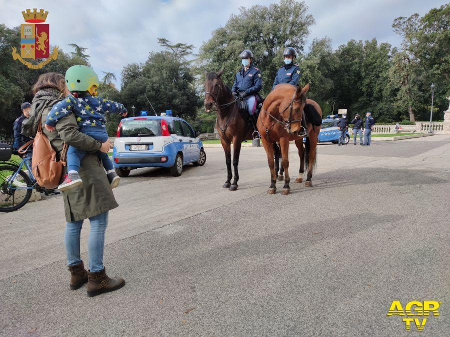 polizia a cavallo villa borghese