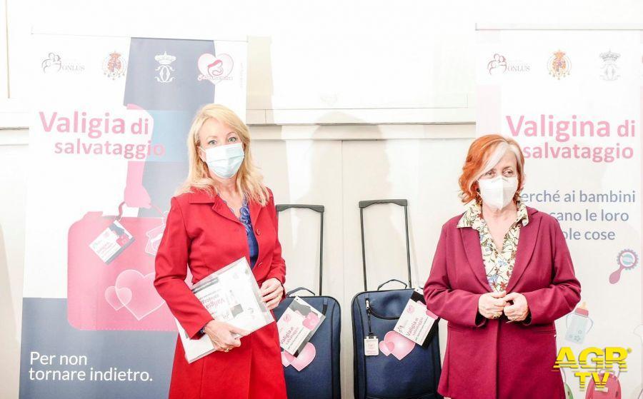 Sara Camilla di Borbone e Maria Grazia Passeri presidente Salvamamme