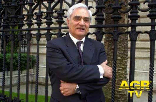 Addio a Vincenzo Desario, un servitore dello Stato