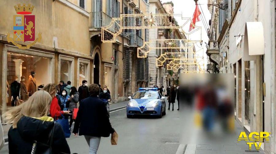Roma, controlli anti-assembramenti, nel mirino le vie dello shopping
