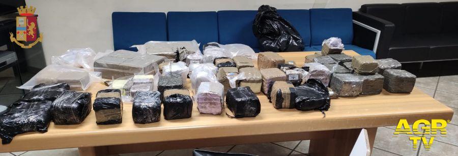 Colpo grosso della Polizia, 75 kg di hashish sequestrato, arrestati due albanesi