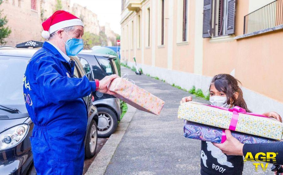 Babbo Natale a casa dei bambini