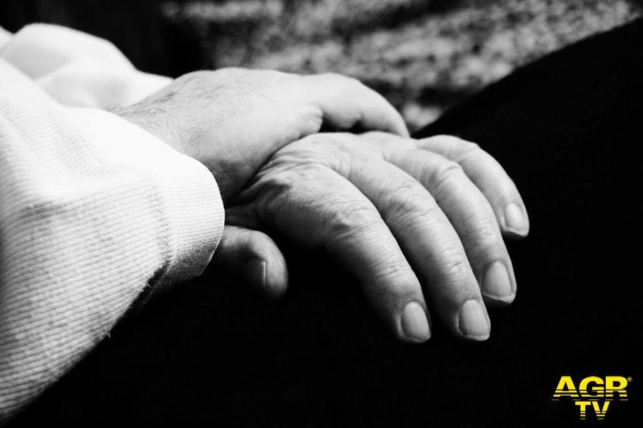 Amici Alzheimer, un orologio con il gps a Natale per 70 famiglie