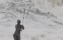Ostia, l'ultima mareggiata del 2020
