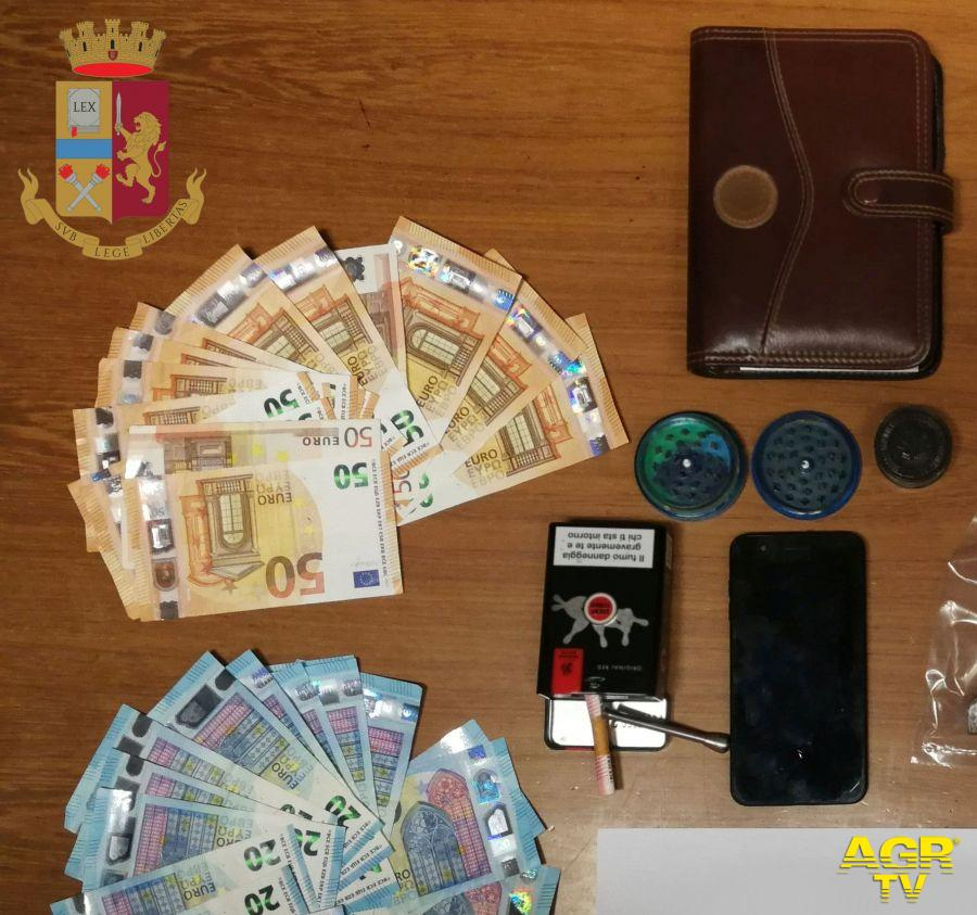 Ultimo pusher del 2020 arrestato a Guidonia, aveva un chilo di hashish