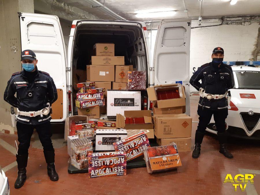 Prato. La Municipale sequestra una tonnellata di botti, un arresto