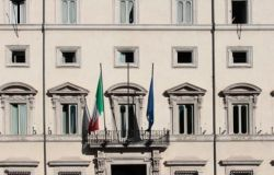 Palazzo Chigi, zona arancione nel week end, rientro a scuola per le superiori dall'11 gennaio